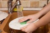 Những cách rửa bát khiến bạn dễ chết sớm