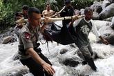 Sạt lở đất vùi lấp lán trại, 15 sinh viên thiệt mạng