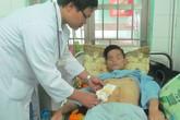 Bác sĩ tự ký giấy mổ để kịp cứu bệnh nhân thủng ruột vắng người nhà