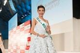 Thúy Vân lọt top hoa hậu ứng xử hay nhất 2015
