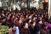 Dòng người đổ về chùa Cao ngày giỗ Tổ