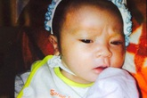 Vợ chồng nghèo được cô gái 'tặng' bé sơ sinh