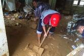 Lũ quét, lốc xoáy khiến hàng trăm nhà dân ngập trong bùn