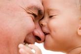 Đàn ông bao nhiêu tuổi là quá già để sinh con
