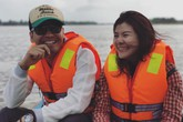 MC Phan Anh lái đò đưa diễn viên Kim Oanh đi làm từ thiện