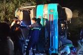 Vụ lật xe chở công nhân: Thêm 1 người chết, tài xế đã bỏ trốn