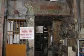 Dân Hà Nội khốn khổ vì những ngôi nhà cũ nát
