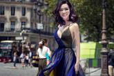 Giáng My hở ngực hết cỡ ở Paris Fashion Week