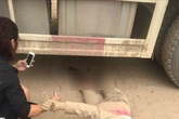 Người phụ nữ mang bầu 7 tháng bị xe tải cán nát 2 chân và không giữ được con