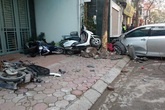 """Hà Nội:  Xe Camry """"dồn"""" 3 xe máy, 3 người tử vong"""