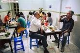 """Dân Singapore phát sốt với """"bún chả Obama"""""""