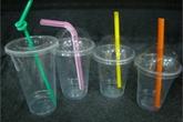 Hiểm họa ung thư từ cốc nhựa dùng một lần