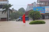 Mưa ngập Hà Nội và nhiều thành phố, có nơi ngang thắt lưng