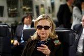 """""""Cục gạch"""" giá 4.750 USD của Hillary Clinton có gì đặc biệt?"""