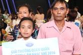 Mẹ Hồ Văn Cường bật khóc khi con trai chiến thắng