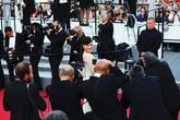 Lý Nhã Kỳ được săn đón trên thảm đỏ Cannes