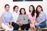 Các hoa hậu, á hậu chúc Tết nghệ sĩ Kim Cương, Hoàng Lan