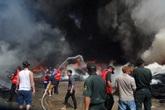 Dân hoảng loạn vì kho phế liệu bùng cháy
