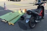 Giúp nhau sang đường, một cụ bà bị xe đâm tử vong