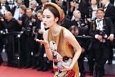 Cái bẫy đằng sau chiếc váy của Phương Trinh ở Cannes