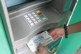 Hai người Trung Quốc dùng thẻ giả rút trộm hàng trăm triệu đồng
