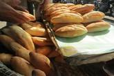 Hàng chục người nhập viện cấp cứu nghi do ăn bánh mỳ