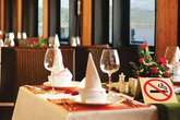 Hà Nội: Chiều khách nên nhà hàng, khách sạn vẫn cho hút thuốc thoải mái