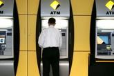 Đã có thể rút tiền từ cây ATM bằng iPhone
