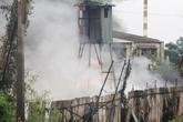 Cháy kho hàng, gần 2000 hộ dân mất điện