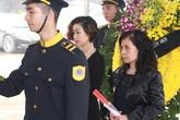 Tang gia bối rối, gia đình Trần Lập vẫn đến viếng nhạc sĩ Thanh Tùng