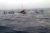 Mưa lũ nghiêm trọng ở Quảng Bình: Chìm nhiều tàu cá, ngư dân mất tích