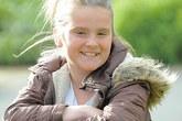 Cô bé 11 tuổi dũng cảm cứu bạn thoát khỏi con chó hung hãn
