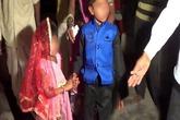 Cô dâu nhỏ tuổi khóc nức nở trong đám cưới trẻ con ở Ấn Độ