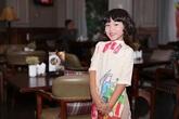 Con gái Thái Thùy Linh điệu đà với áo dài hoa xuân