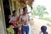 Vụ sập hầm vàng ở Lào Cai: Đau lòng bố tự tay bới tìm xác con trai