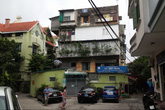 Hà Nội: 200 người dân mất ngủ trong khu nhà nghiêng 15 độ