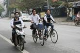 Đình chỉ học vì vi phạm giao thông là... nghĩ cho các em (!?)
