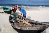 Ngư dân đau đáu trở lại nghề biển