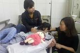 Vụ học sinh lớp 4 bị bạn chọc hỏng mắt: Nỗi lòng đớn đau của người mẹ trẻ