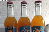 Coca Cola Việt Nam lại hầu tòa: Xuất hiện thêm nhiều chai nước cam ép chứa dị vật