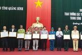 Quảng Bình: Khen thưởng các tấm gương giúp dân ứng phó, khắc phục lũ lụt