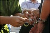 """Vào tù vì """"vướng lưới tình"""" trẻ vị thành niên (2): Con trai thành… bom nổ chậm"""