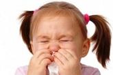 """Trẻ nhiễm lạnh """"oan"""" do sai lầm của bố mẹ"""