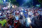 Người dân Hà Nội lo lắng trước tin cấm xe máy