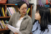 Nghệ sĩ Chiều Xuân và con gái tham gia Ngày thơ Việt Nam lần thứ 14