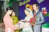 Lạ lùng chuyện con gái lấy chồng không nhận tiền mừng cưới