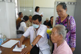 Người cao tuổi có thể gặp nguy vì một cơn chóng mặt