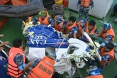 Công điện khẩn về tìm kiếm cứu nạn máy bay CASA - 212