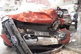 Một phụ nữ chết thảm vì rơ-moóc tuột khỏi xe đầu kéo, lao tự do giữa phố
