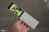 Điện thoại nắp gập Nhật với 2 màn hình độc đáo ở VN